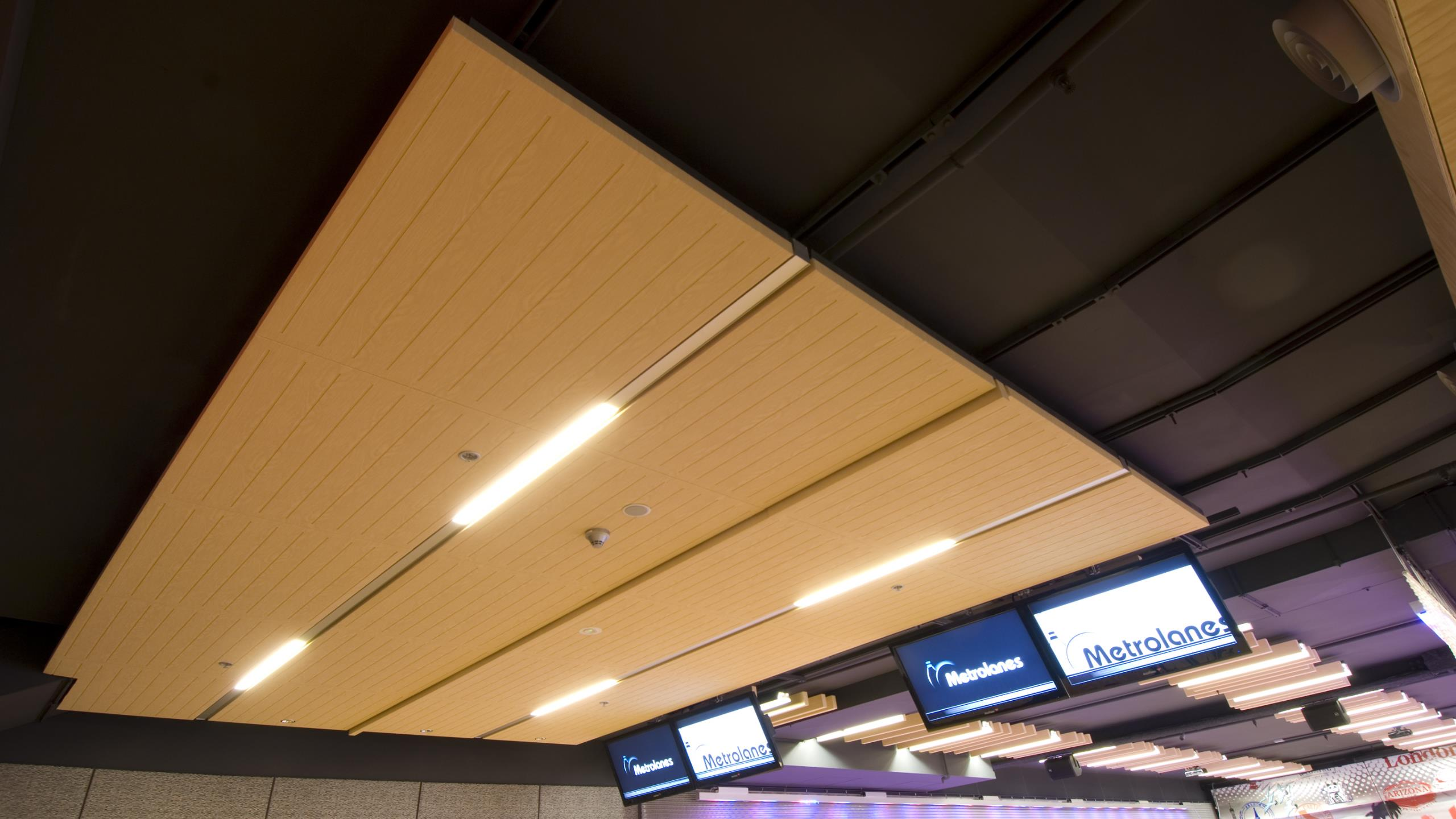 Metro Bowling Alley, AKLD - Triton Cloud 50 + wood-grain Sonaris