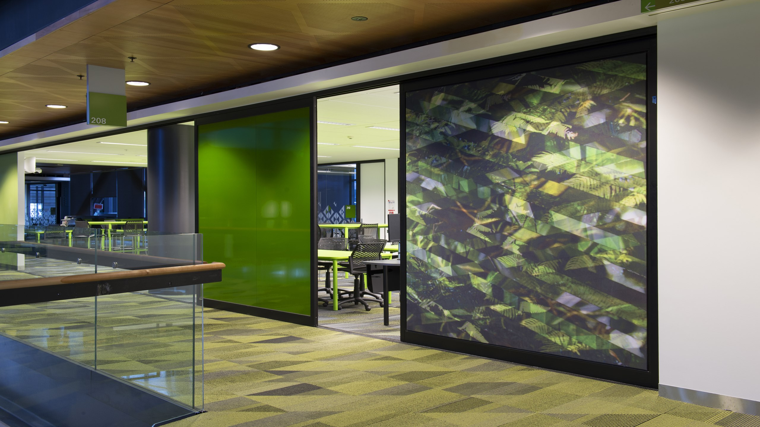 MIT Manukau, Sliding Walls - Snaptex stretched fabric system